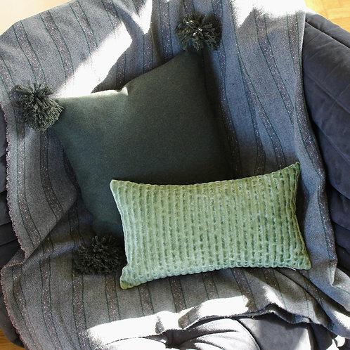 Housse de coussin carré vert foncé en laine