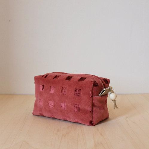 Trousse de toilette Bébé : velours rose à carreaux