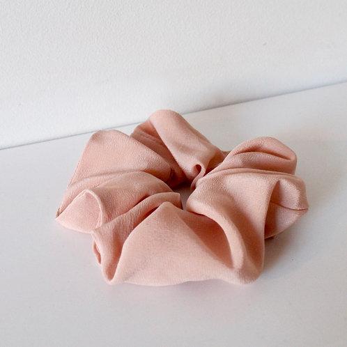 Chouchou oversized en soie : rose poudré