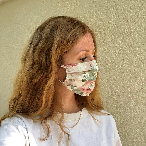 Masque en tissu : 3 plis, poche à filtre, fente pour barrette nasale