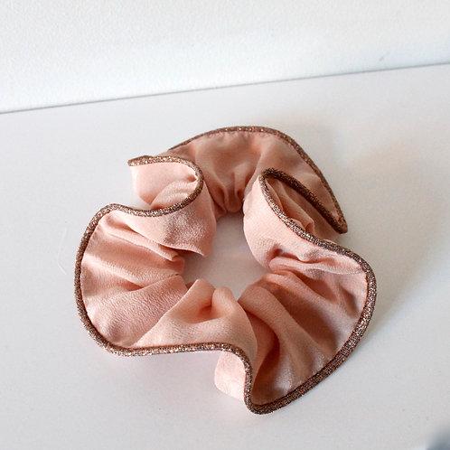 Chouchou en soie : rose poudré + passepoil lurex