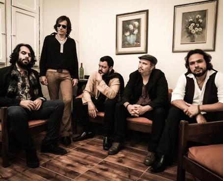 """Stone Age A.D.: baterista Marcelo Athouguia será entrevistado hoje no programa """"Web Cast Taverna"""""""