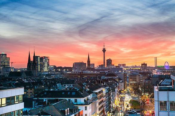 Dusseldorf_1900breit100.jpg