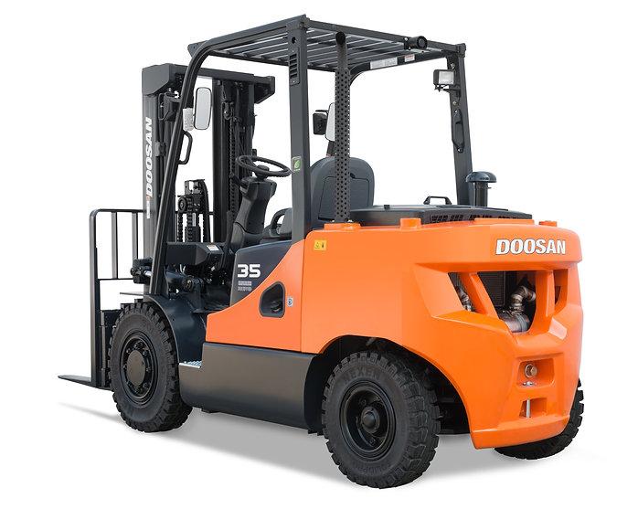 Neuer Diesel- und Treibgas Gabelstapler von Doosan - Hahnen
