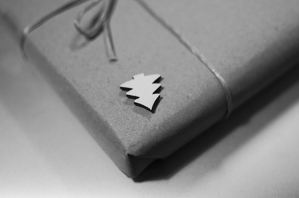 Notizbücher von Notizgold eignen sich bestens als Präsente für Mitarbeiter und Kunden. Individualisierte und personalisierte Notizbücher mit Firmenlogo für Ihr Unternehmen zu Weihnachten.