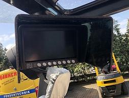 Bildschirm Fahrerkabine.jpg
