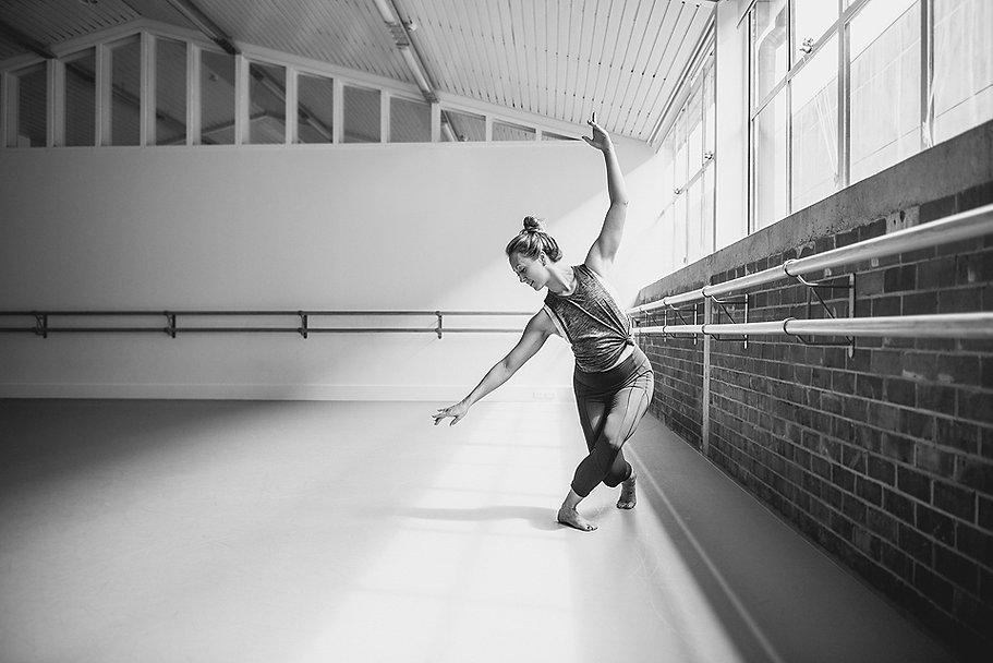 Katie Swift, Lululemon, Dance, Pilates, Barre, Auckland, New Zealand. photo cred: Nykie Grove Eades