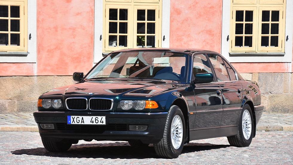 1999 BMW 728iA