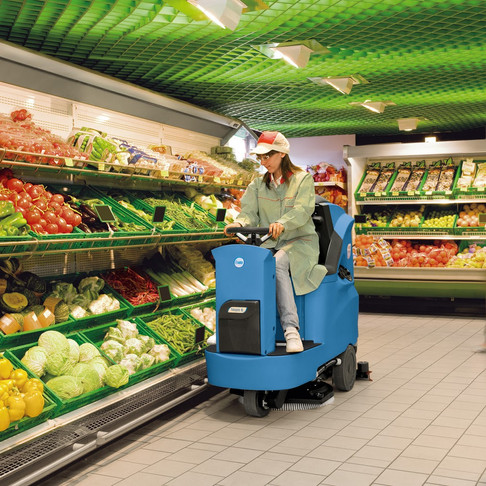 How a professional cleaning service help you maintain your supermarket?