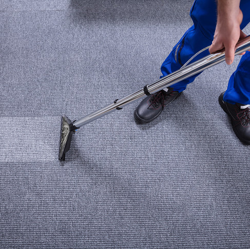 Difference between professional cleaning and DIY cleaning