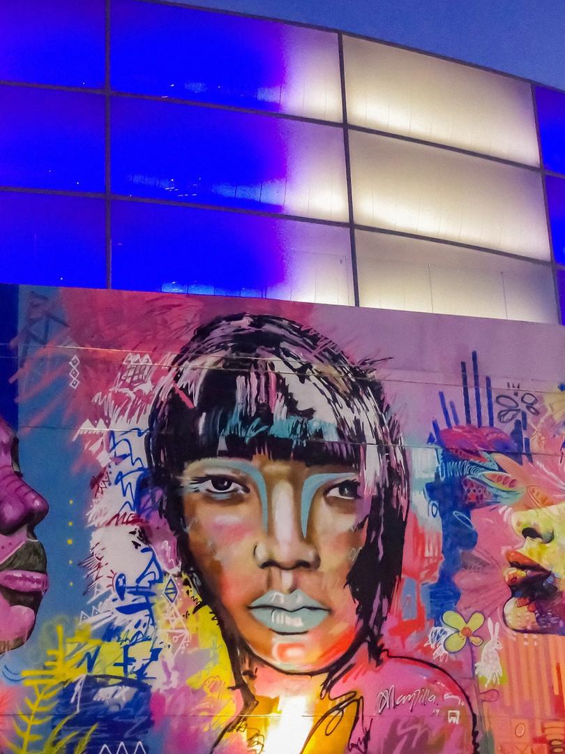 Mural en honor a las mujeres de Colombia