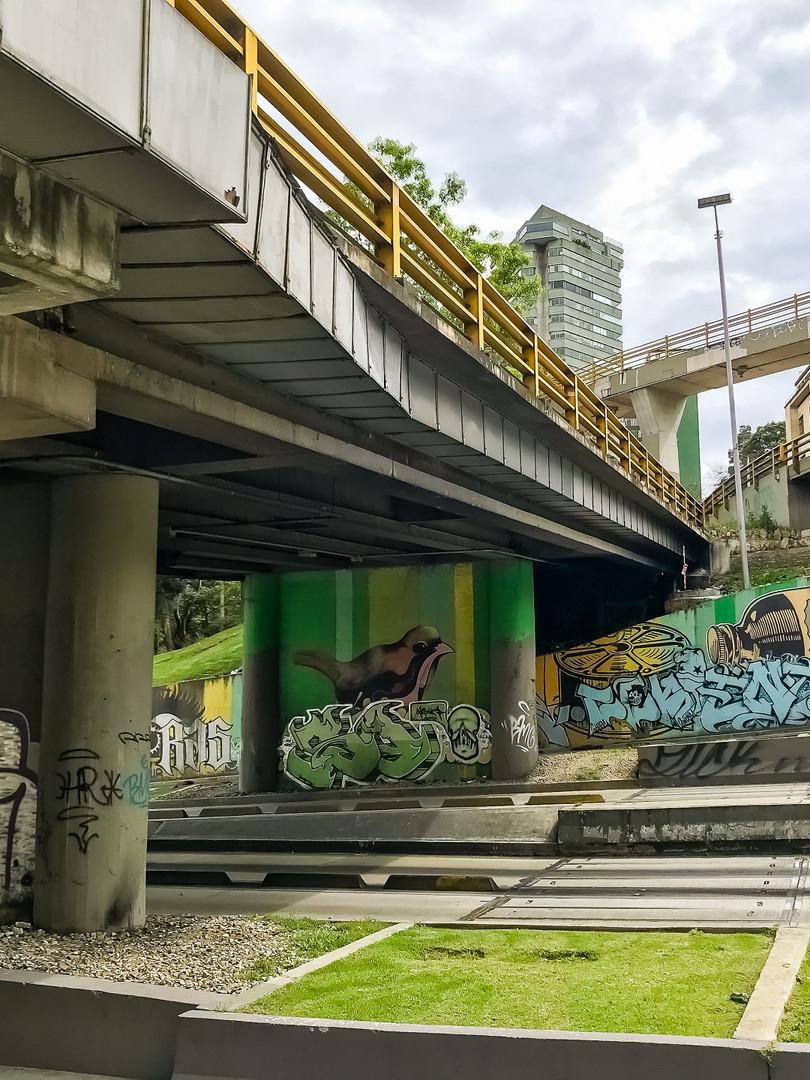Mural ubicado sobre la Calle 26 con carrera 5a