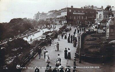 Postcard-Southend-Pier-Hill-and-Queen-Vi
