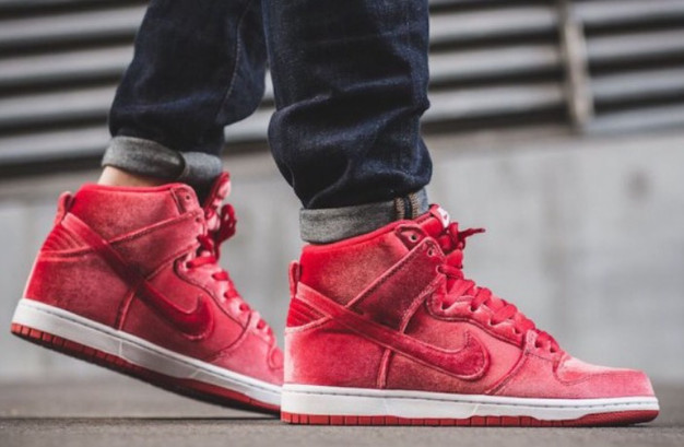 sale retailer 66e52 3e3f4 Nike SB Dunk High Red Velvet