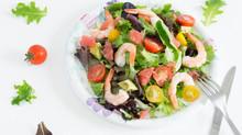 Salade Crevettes, légumes du soleil et pamplemousse