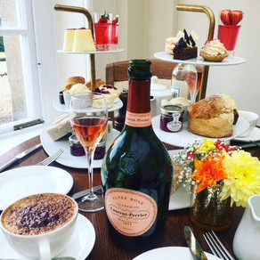 'LP Pink T', Swinging 60s Afternoon Tea Blenheim Palace to celebrate 50 years of Cuvée Rosé with Lau