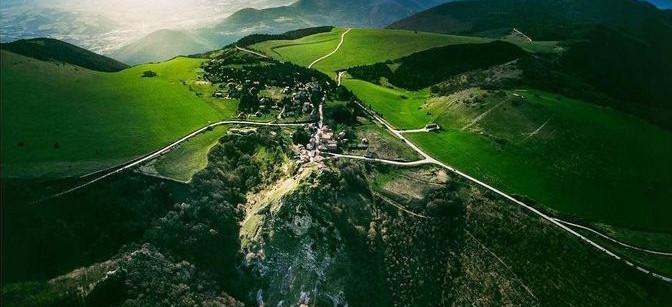 "Analogic Tour: ein ""Borgo Diffuso"" in Fabriano"
