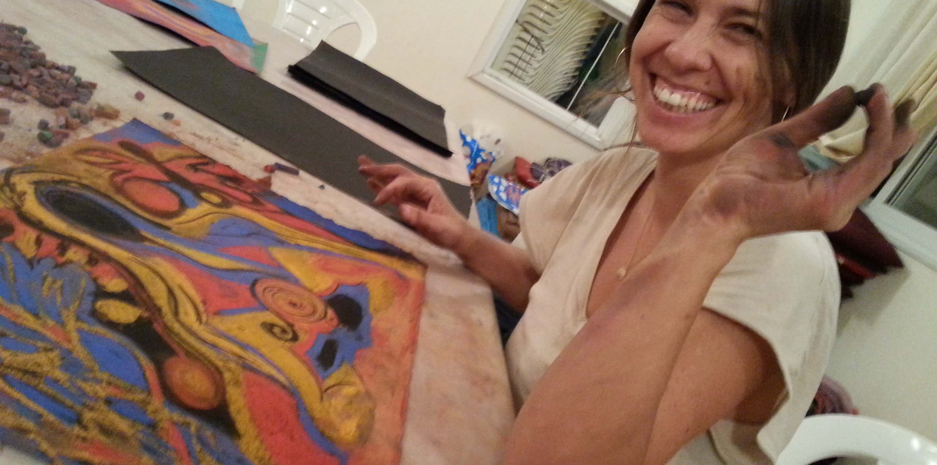 חיוך של אושר בציור אינטואיטיבי