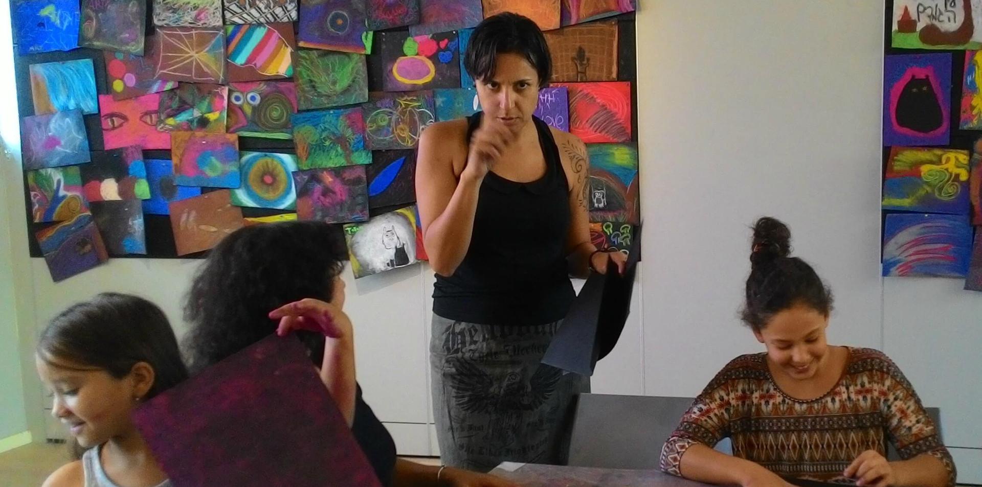 מיכל רביב מדריכת ציור אינטואיטיבי