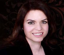 MinervaBanuelos_Headshot2.jpg