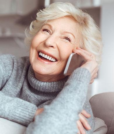 vrouw-met-telefoon.jpg