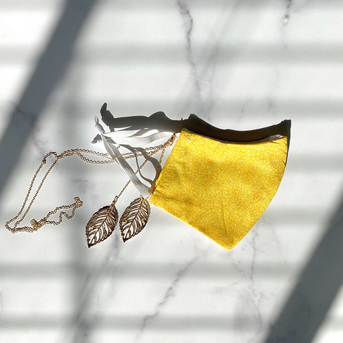 Waterproof yellow face mask with leaf chain