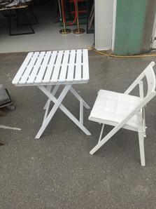 Gartentisch weiß