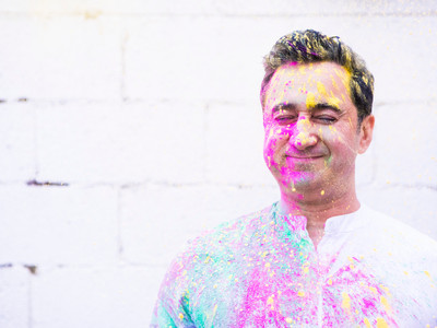 Arun Kapil hosts Holi dinner to mark end of Winter