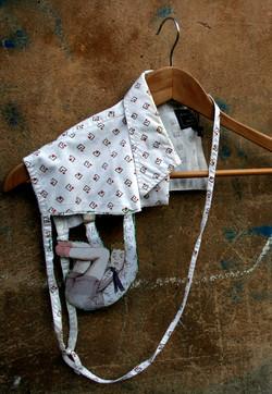 No caigas - Necklace, Shirt parts, illustrations, cotton thread. 2008.