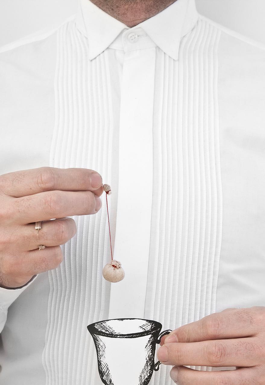 Lo efímero del amor - Ring. Coffee, Nylon, silver, cotton thread. 2009.