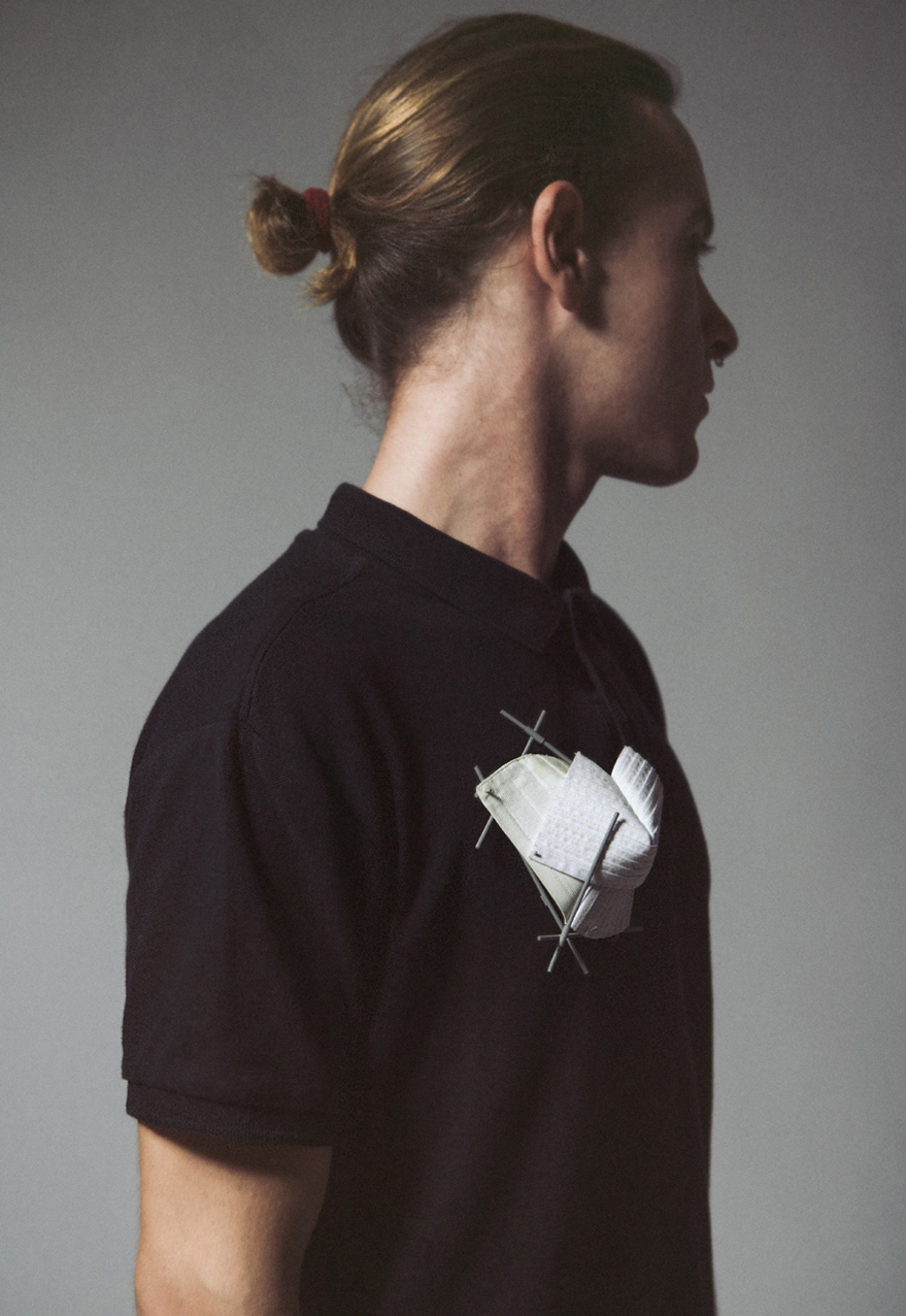 Forma Nº3  Brooch  Shirt parts, brass, silver, steel wire, cotton thread. 2015