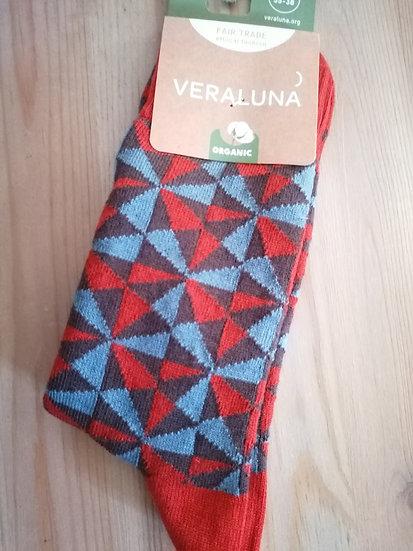Calcetines triángulos rojo-azul-marrón
