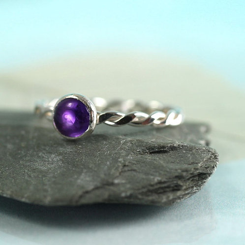 Silver Twist Ring with Amethyst Gemstone
