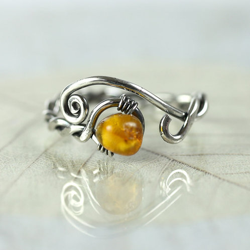Adjustable Ring with Amber - Viking Style Twist Ring