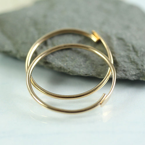Gold Fill Hoop Earrings 18 mm - Simple overlap closure