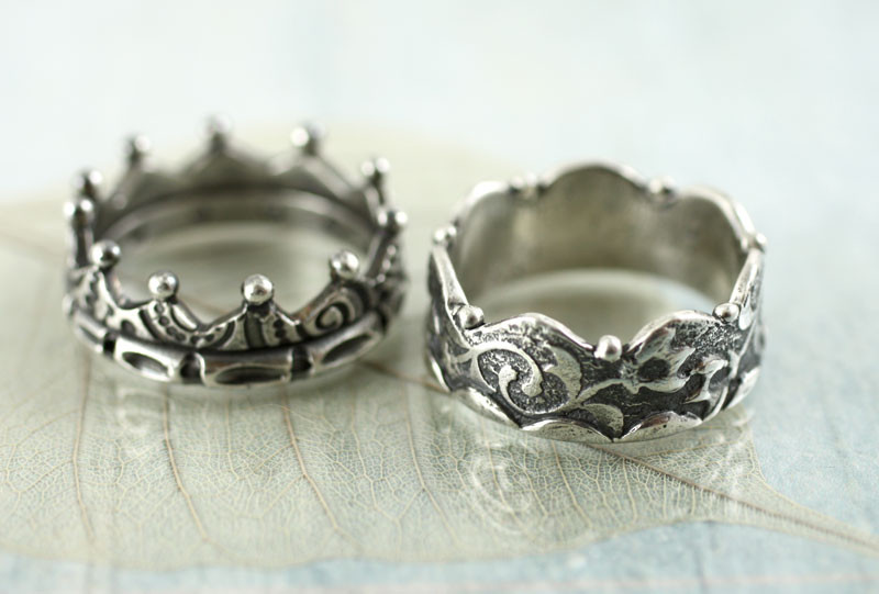 silver crown rings