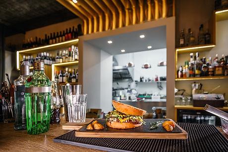 delicious-pub-food-P9CB6LU.jpg