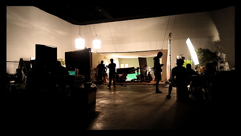 silhoutte-images-of-video-production-and