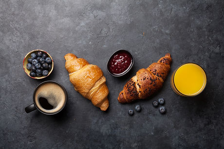 breakfast-with-coffee-and-croissant-NN5J