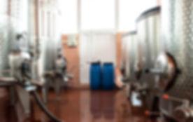 wine-fermenters-YMEUSRT.jpg