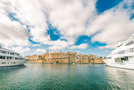 luxury-speedboat-yacht-in-malta-marina-P