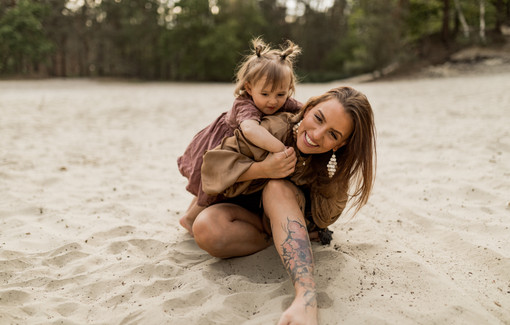 Mutter-Tochter Shooting im Sonnenuntergang