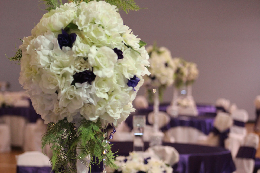 Beautiful flower arrangement for a wedding at the LRMC. Photo by MCV