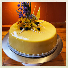 Champagne Mousse Cake