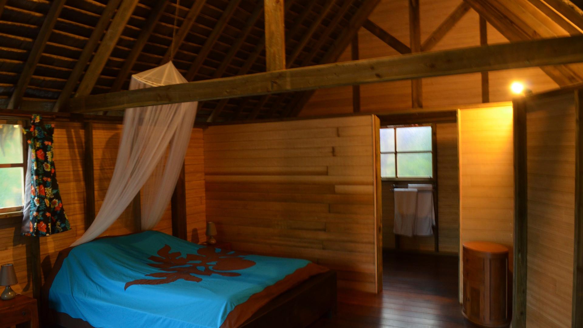 Huahine-Moana_Lodge-Bungalow_innen