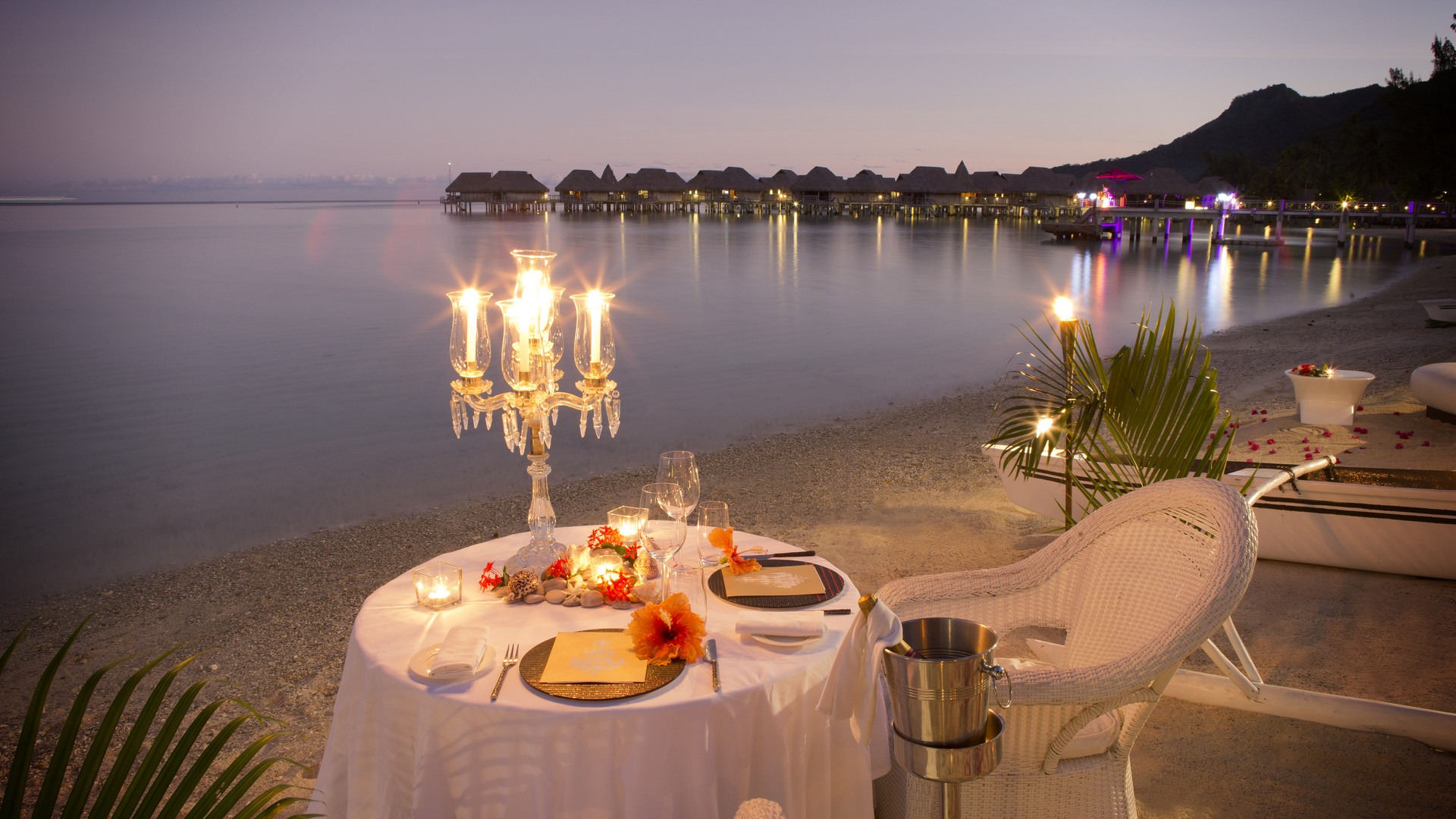 Sofitel_Moorea_Ia_Ora-Romantic_Dinner