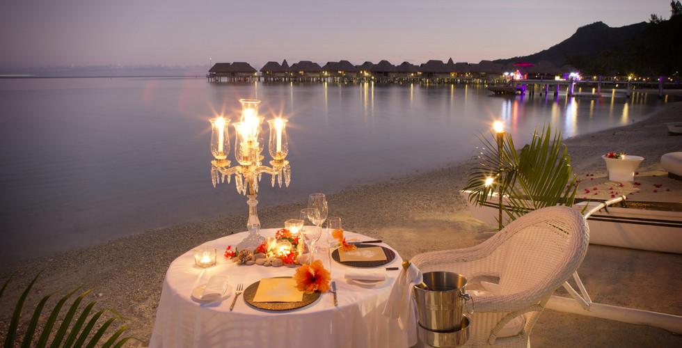 Sofitel_Moorea_Ia_Ora-Romantic_Dinner