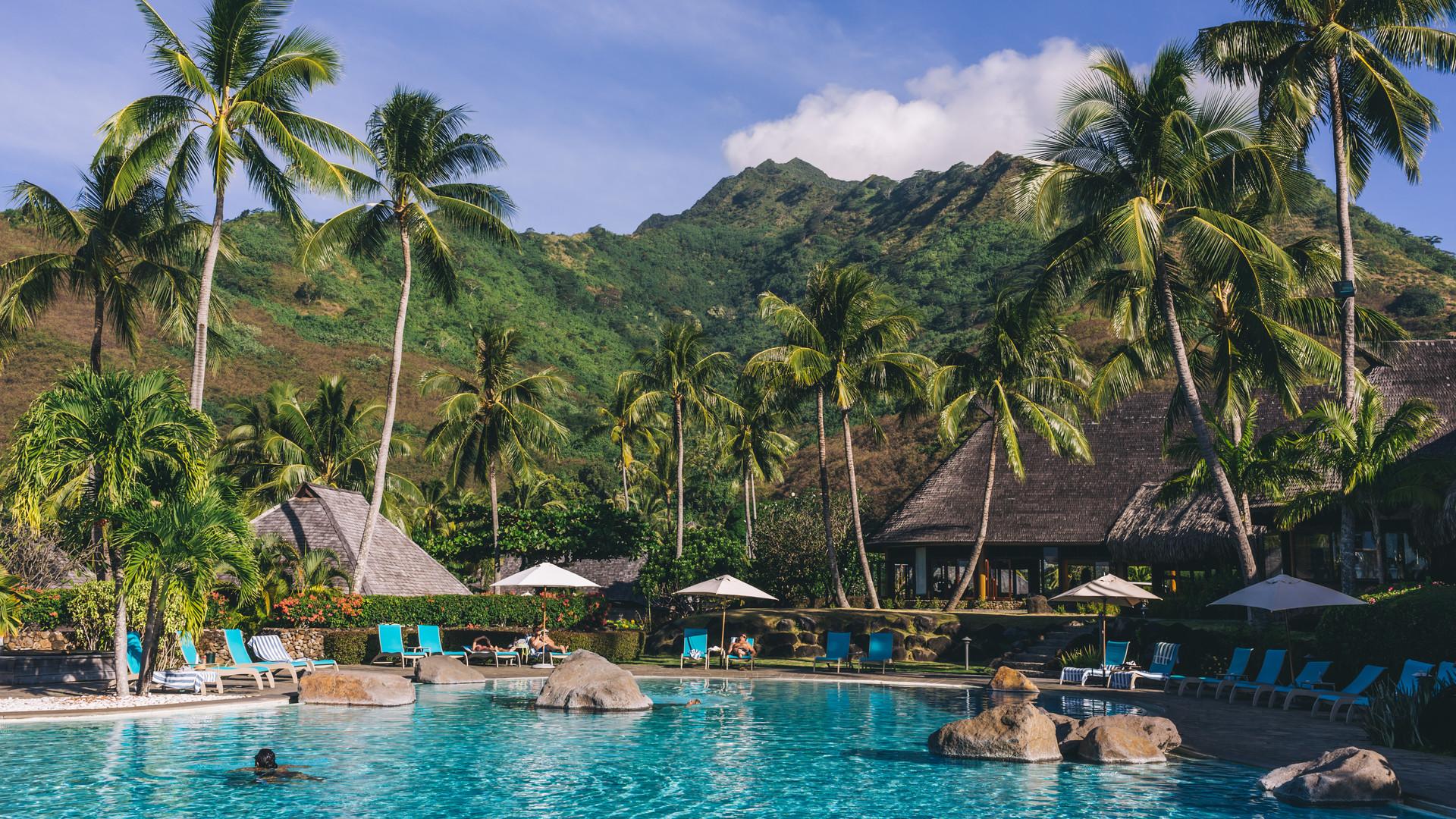 Hilton_Moorea_Lagoon_Resort-Pool