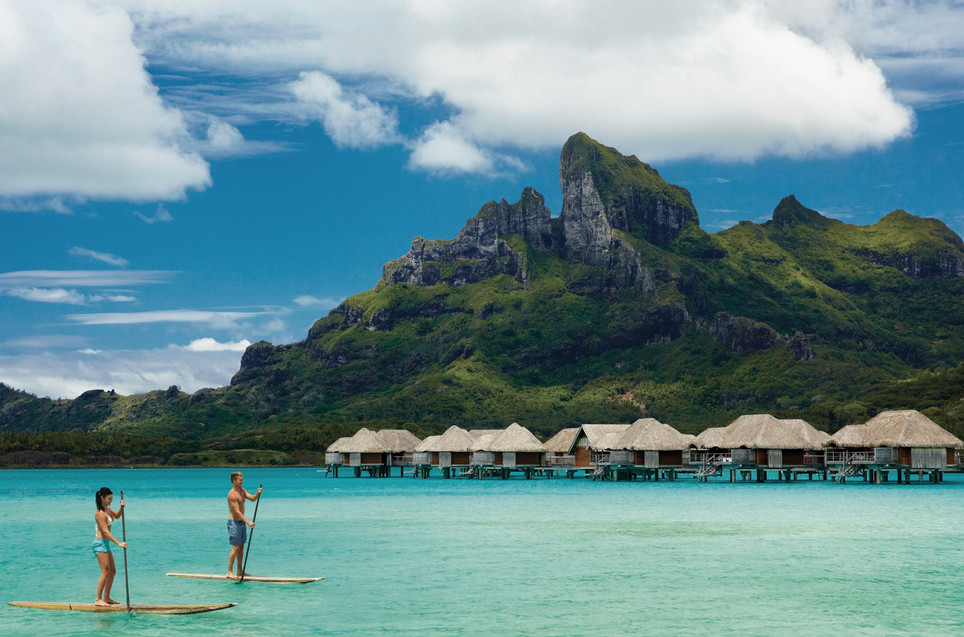 Four_Seasons_Resort_Bora_Bora-Stand_up_Paddling