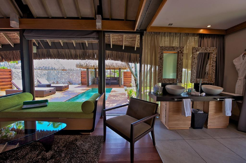 Rangiroa-Hotel_Kia_Ora_Resort-Pool_Villa-innen